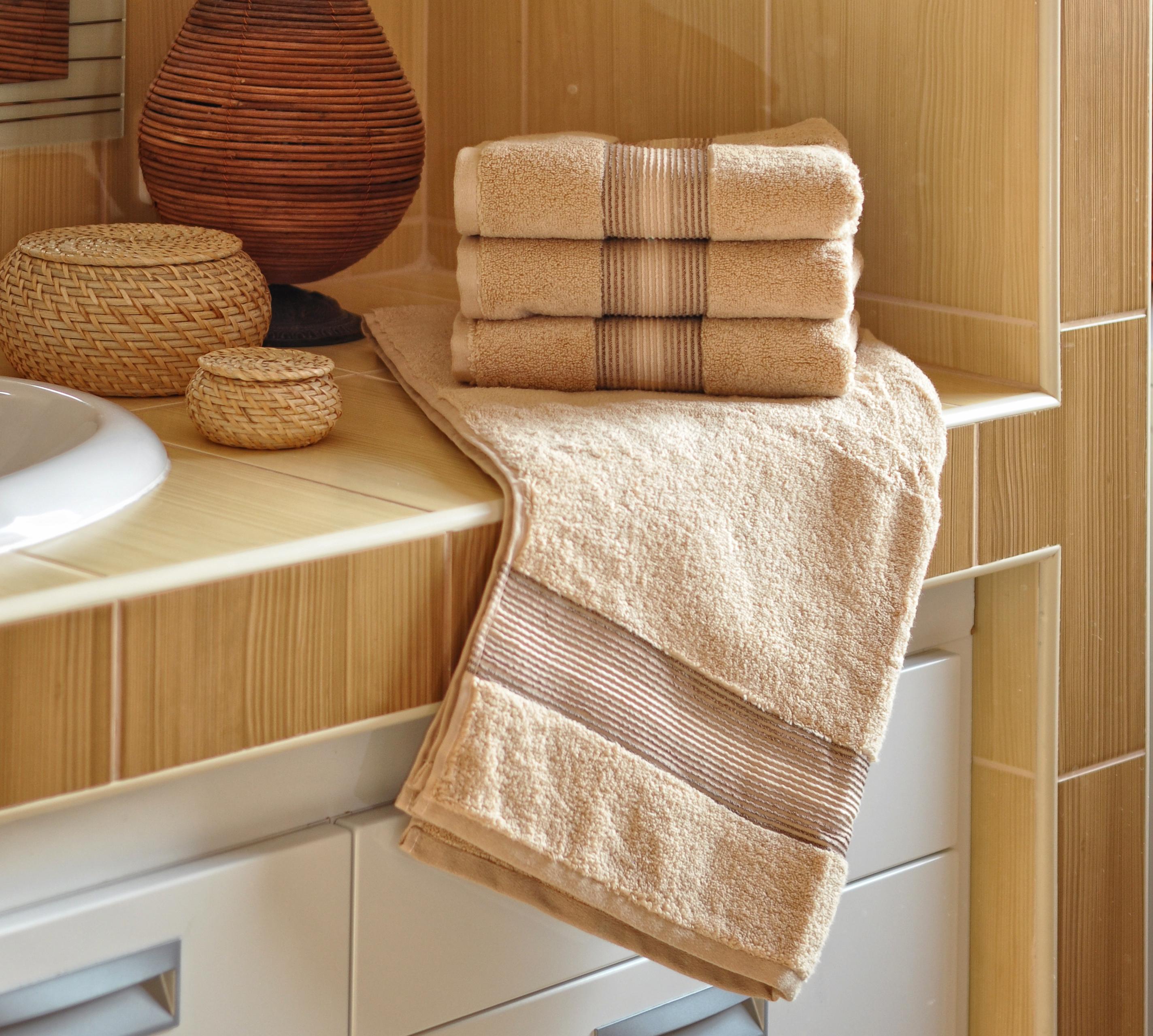 Luxusní Froté ručník  DITA 50x100 cm - BÉŽOVÝ