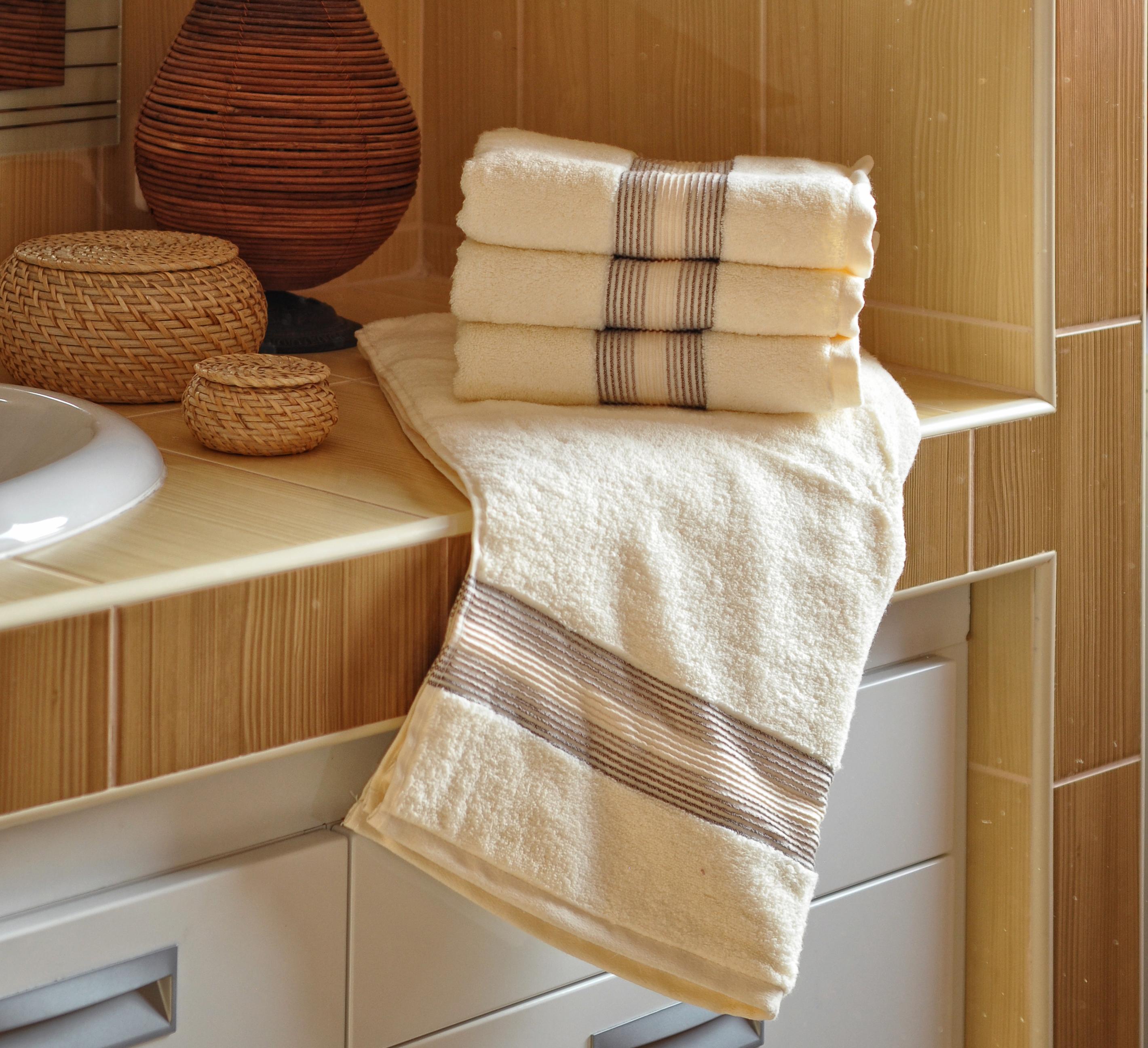 Luxusní Froté ručník  DITA 50x100 cm - SMETANOVÝ