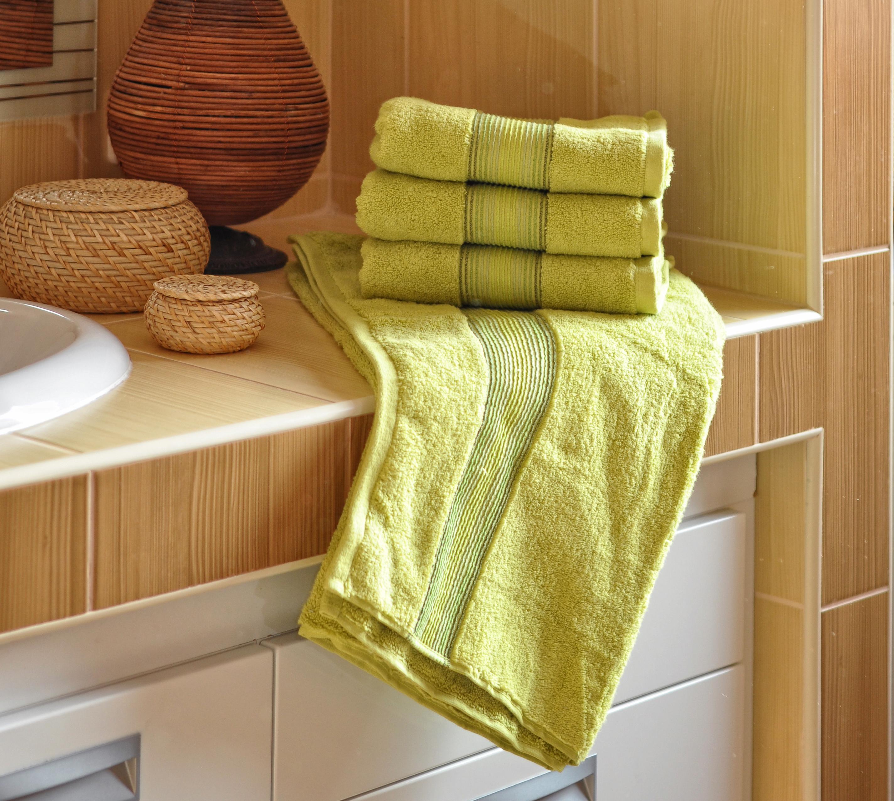 Luxusní Froté ručník  DITA 50x100 cm - ZELENÝ