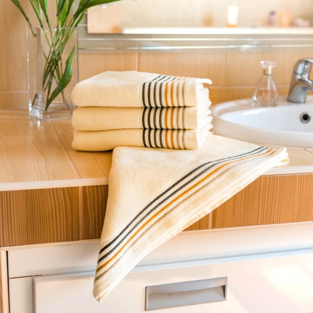 Luxusní Froté ručník  Katka 50x100 cm - cream