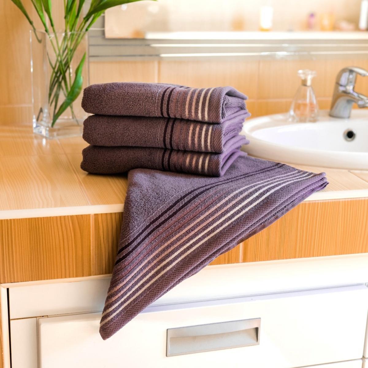 Luxusní Froté osuška  Katka 70x140 cm - purple