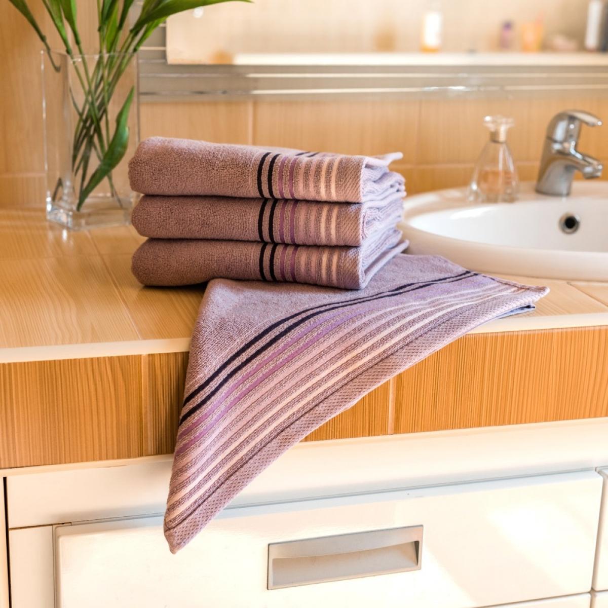 Luxusní Froté ručník  Katka 50x100 cm - lila